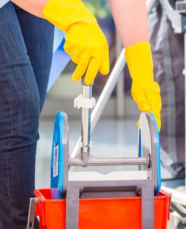 Уборка и мытье окон в Москве и области